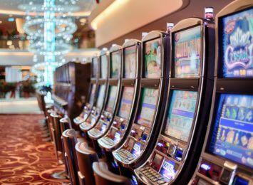 KAS przypomina: Udział w grach hazardowych na automatach jest karany