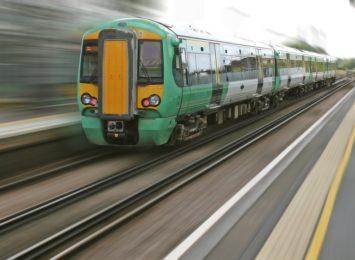 4-latek sam podróżował międzynarodowym pociągiem