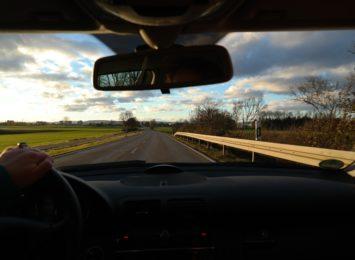 Jesteś bezpiecznym kierowcą? Szerokiej drogi od Radia 90! [SONDA]
