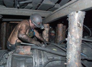 Górnictwo: W Katowicach trwają rozmowy związkowców ze stroną rządową. Dziś ma zostać parafowana umowa społeczna