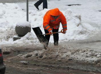 W Żorach też sprzęt na drogach. Wczoraj (12.01.) gołoledź utrudniała jazdę kierowcom