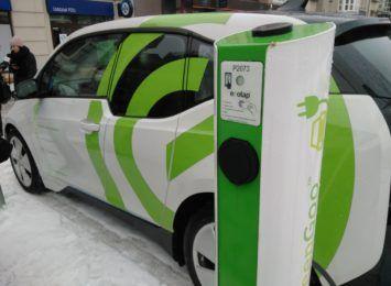 Samochody elektryczne na naszych drogach. Czy inwestujemy w takie pojazdy?
