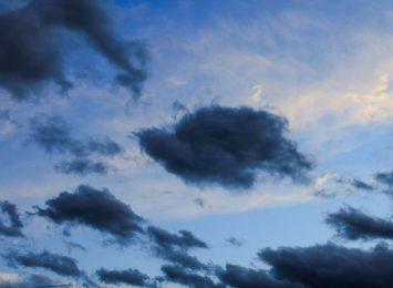 Meteorolodzy ostrzegają przed silnym wiatrem w regionie