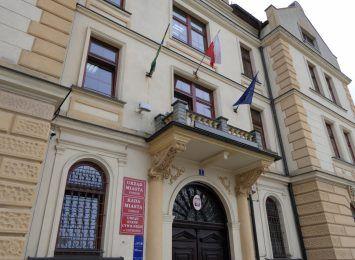 Kornawirus: zamknięcie urzędów w Szczyrku i Jasienicy