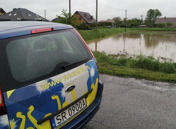 Oni na kwarantannie, a dom zalała woda