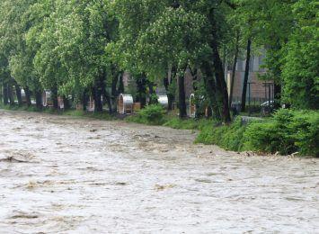 Zamknięta droga w Cieszynie. Będą ćwiczyć na wypadek powodzi