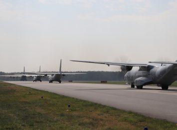 Samolot wojskowy Herkules nad regionem