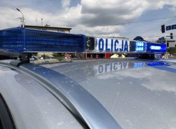 Samochód wypadł z drogi i uderzył w gazociąg, trzy osoby zostały ranne