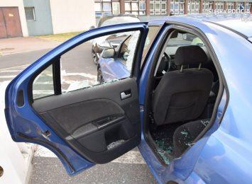 Ratowali zamkniętego w samochodzie psa