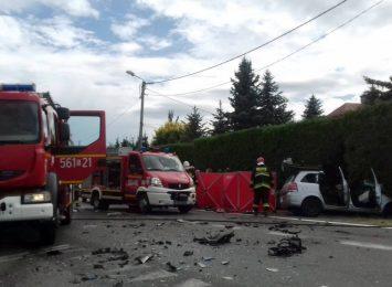 Zderzenie autobusu z samochodem osobowym w Raciborzu. Zginęły dwie osoby [LIVE]