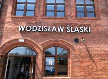 Opowiedzą o przyczynie samobójstw. Konferencja na dworcu kolejowym w Wodzisławiu