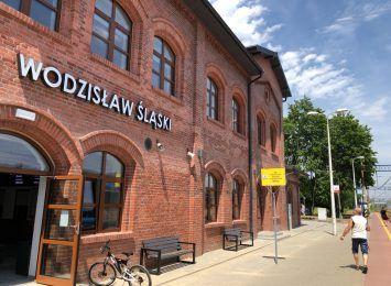 """Kieca w Radiu 90: Minister infrastruktury wybuduje przystanek kolejowy """"Centrum"""" w Wodzisławiu Śląskim"""