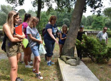 Rozpoczęła się inwentaryzacja cmentarza w Bełku