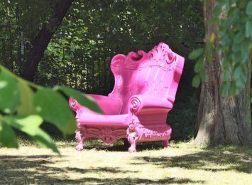 Cieszyn: Kto ukradł różowy fotel? [WIDEO]