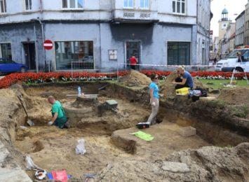 Cmentarzysko odkopali archeolodzy w centrum Rybnika