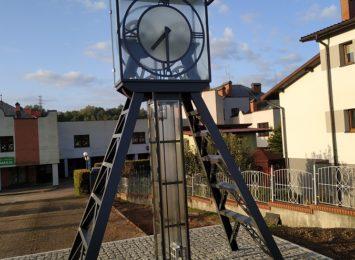 Ten zegar przypomina historię Mszany