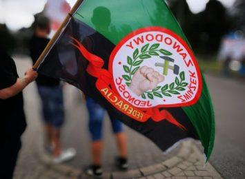 Pokojowa manifestacja przed siedzibą Jastrzębskiej Spółki Węglowej