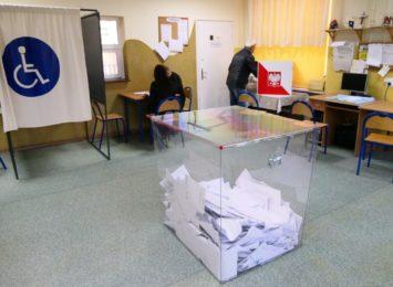 Niewielkie zainteresowanie pracami w komisjach wyborczych