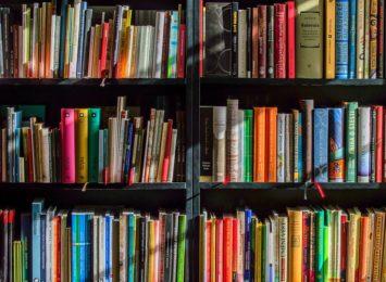 """Spotkanie autorskie w jastrzębskiej bibliotece. """"Czy literatura czeska jest kobietą?"""""""