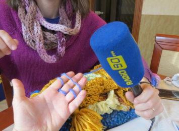 Nie na drutach, nie na szydełku ale na paluszkach...