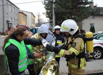 Ewakuacja szkoły w żorskich Osinach