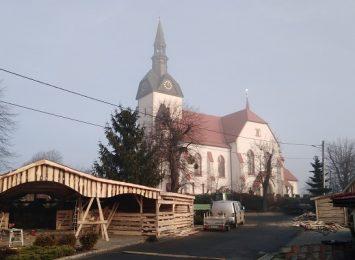 Żywa szopka w Dziergowicach. Mieszkańcy budują stajenkę