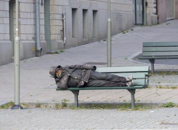 Kuczera w Radiu 90: ''Po protestach mieszkańców wycofaliśmy się z budowy całodobowej ogrzewalni dla bezdomnych''