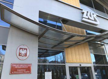 ''Warto wydłużać swoją aktywność zawodową''. Polacy nadal odkładają moment przechodzenia na emeryturę