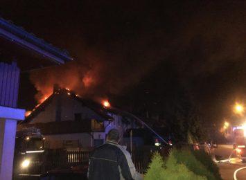 Żory: Pożar dachu domu jednorodzinnego [AKTUALIZACJA]