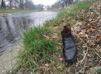 Do sąsiadów po alkohol. Bez butów wpław przez Olzę! [WIDEO]