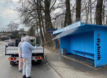 Dezynfekcja przystanków w Rybniku