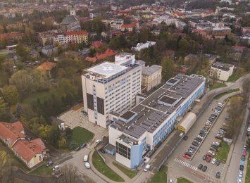 Cieszyn: W Szpitalu Śląskim nie ma wolnych łóżek dla chorych z koronawirusem