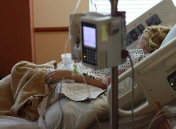 Coraz więcej pacjentów w szpitalu tymczasowym w Pyrzowicach