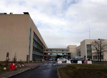 Aparatura do szybkiego wykonywania testów stoi bezczynna w szpitalu. Miasto dało na ten cel ponad 800 tysięcy złotych
