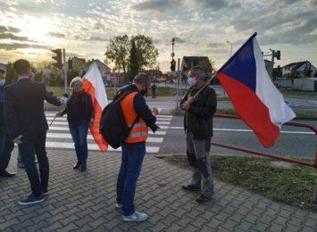 Chałupki: Protest przeciwko zamknięciu granic [LIVE]
