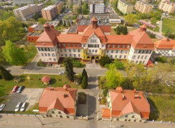 Szpital w Knurowie wstrzymał przyjęcia pacjentów