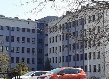 Kolejki na pediatrię w szpitalu w Wodzisławiu Śląskim. Gwałtowny wzrost zachorowań na zapalenie płuc