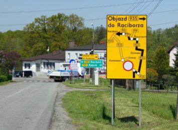 Remont trasy Pszczyna- Racibórz na półmetku. Trwają prace wykończeniowe