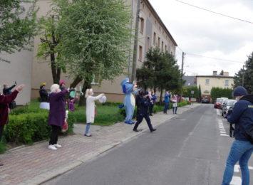 Urodzinowa heca w Radlinie. Tak się świętuje na kwarantannie! [WIDEO,FOTO]
