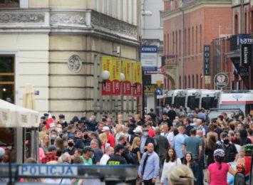 Kilkaset osób na rynku w Rybniku. To spotkanie z prezydentem Dudą [FOTO]
