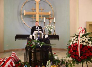 Wiślanie pożegnali krajana. Jerzy Pilch spoczął na cmentarzu w Kielcach [FOTO]