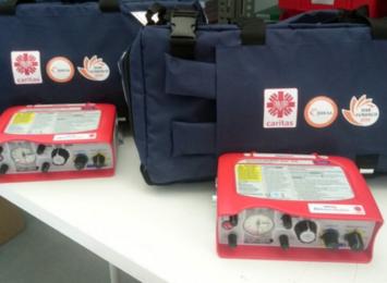 30 respiratorów dla szpitali od JSW i Caritas Polska