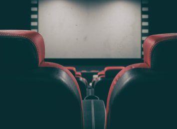 Czechy: Otwarto hotele, kina i teatry; wszystkie szkoły wznowiły naukę stacjonarną