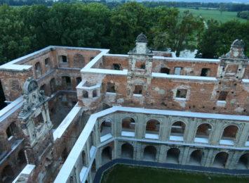 Ruiny w Tworkowie otwarte dłużej. Ostatnie wejście przed 19.00