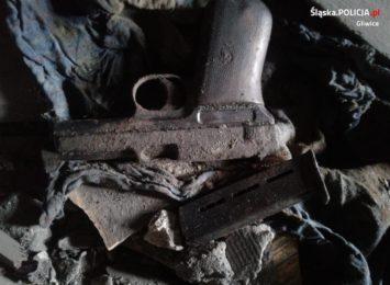 Niecodzienne znalezisko w Gliwicach. Broń z 1914 roku znaleziono podczas remontu