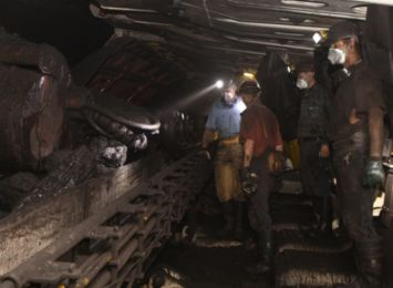 Ilu pracowników jest zainteresowanych urlopami górniczymi i odprawami? Sprawdzą to w PGG
