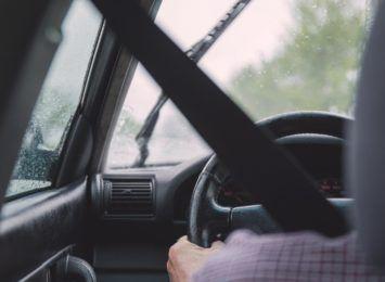 Kierowcy! Wciąż są trasy w regionie, gdzie mogą być problemy z przejazdem