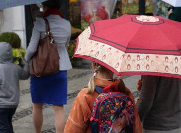 Od rana pada deszcz i padać będzie co najmniej do środy (14.10.)