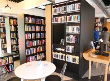 """Selfchecki w bibliotece w Żorach: """"Są samoobsługowe. Są proste w użyciu. Są dla Ciebie."""""""