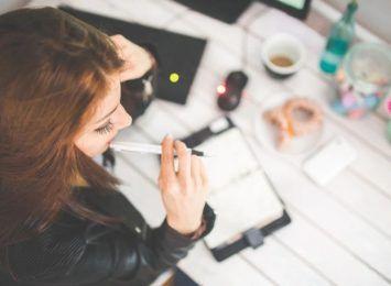 Czy pracodawcy wspierają pracowników na home office? 47% osób pracujących zdalnie otrzymało okolicznościową paczkę